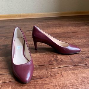 Cole Haan burgundy leather 6.5B classic pumps